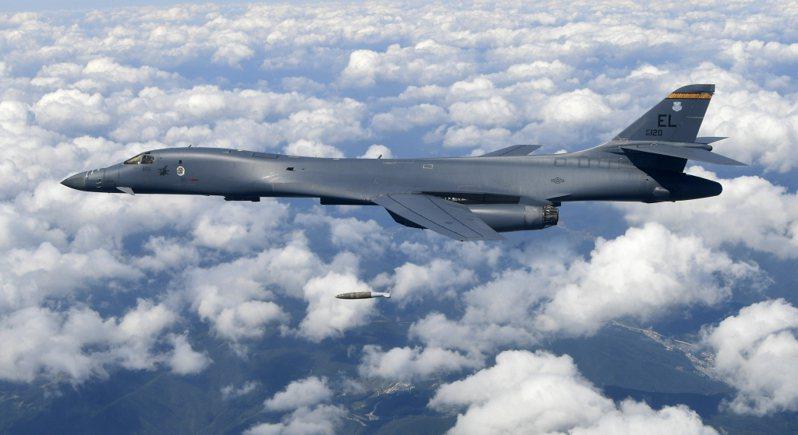 美國B-1B超音速戰略轟炸機。 美聯社