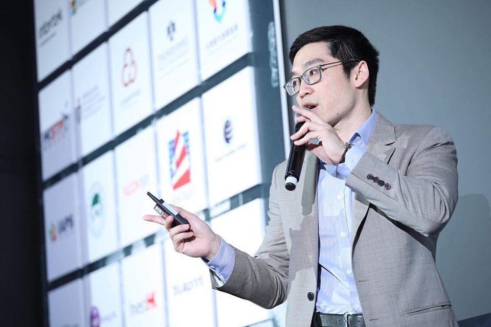 FST Network朱俊嘉強調,唯有將企業內外分散各處不一致的資源,整合為互通...
