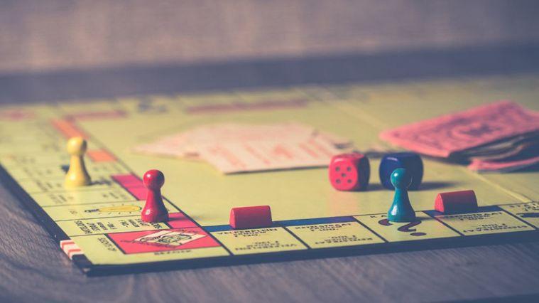 桌遊的設計多半都是具有益智、教育及動腦思考的作用,這也可以讓已經無所事事的長輩們...