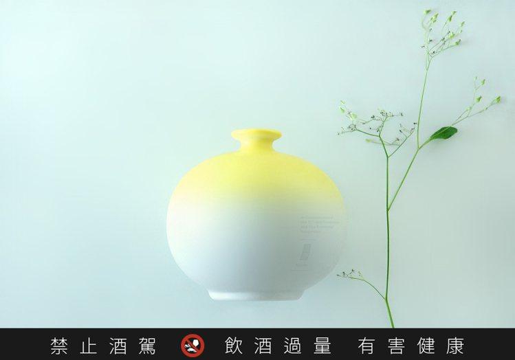 玉山台灣原窖十年陳高,每瓶售價2,800元。圖/取自聶永真臉書