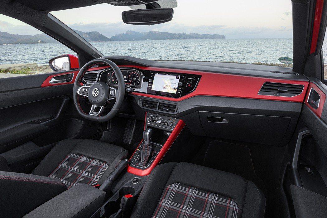 2020新年式The Polo GTI新增配備總值高達10萬元以上,於外觀、內裝...