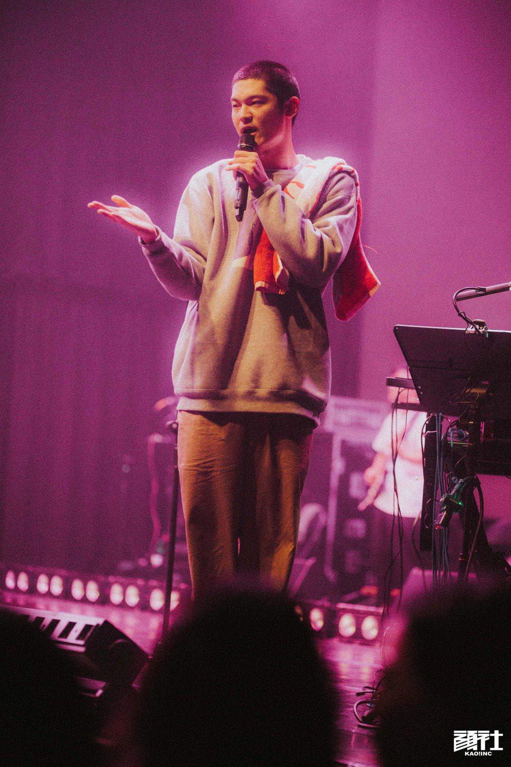 從樂團主唱轉身嘻哈歌手,Leo王認為想法的抒發不該被樂種侷限。 圖/顏社提供