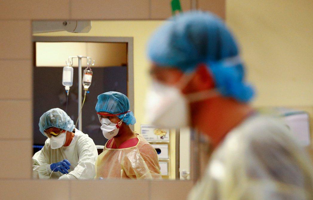 近十餘年來,德國醫院營運普遍每況愈下,有6成醫院都掙扎於財務赤字。此問題也直接反...