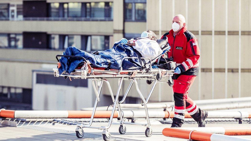 「德式防疫」頗受國際外媒讚譽為歐洲模範,但撥開內裏翻看,醫療體系卻是千瘡百孔。圖...