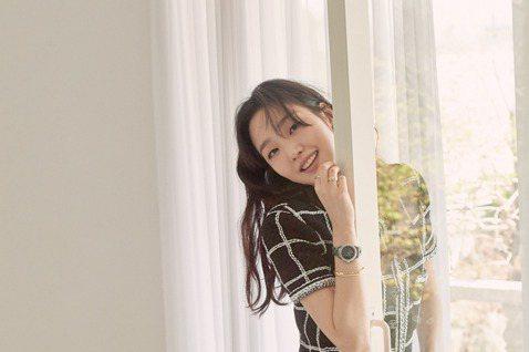 韓國女星金高銀接連在「鬼怪」、「The King:永遠的君主」中與孔劉、李敏鎬合作,成「男神收割機」,她接受「ELLE」雜誌專訪時提到與李敏鎬首次合作,「不出所料,他是一位優秀的演員,我們的個性也滿...
