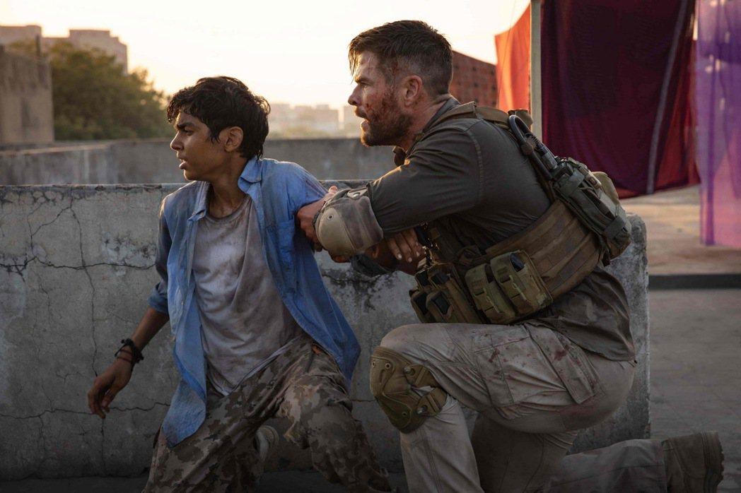 「雷神索爾」克里斯漢斯沃主演動作新片「驚天營救」大破Netflix點閱紀錄。圖/