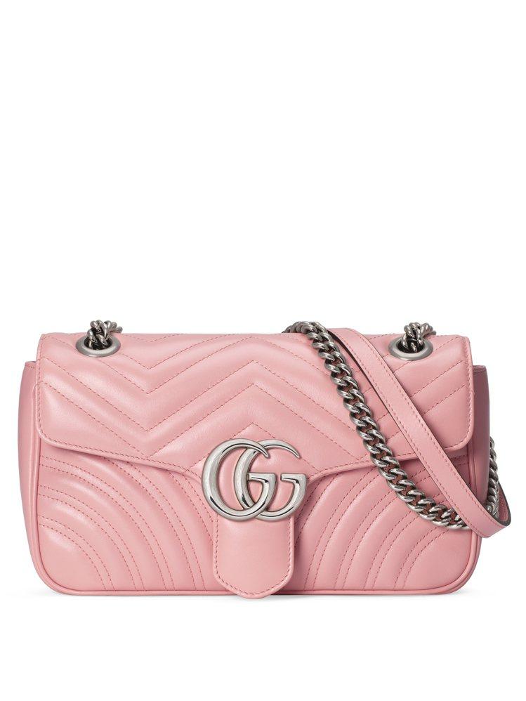 GUCCI GG Marmont玫瑰花瓣小型肩背包,57,800元。圖/古馳提供