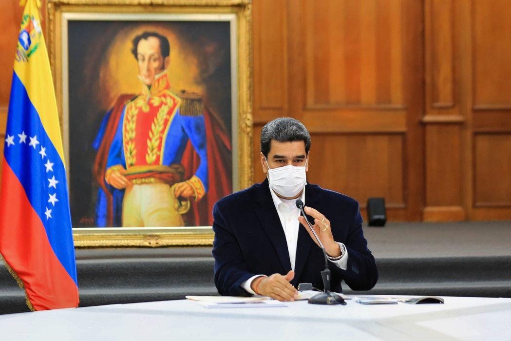 馬杜羅與瓜伊多兩人的「總統之爭」,不僅一路糾纏至今,更演變成牽扯世界強權的國際事...