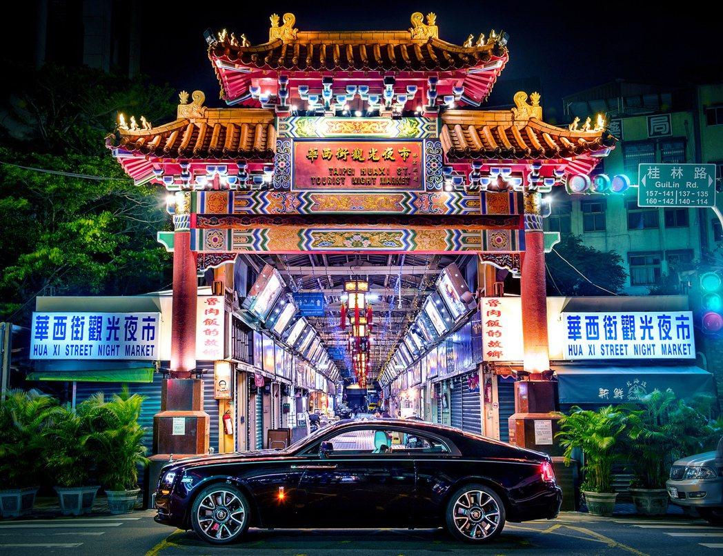 衝突之美,歷史足跡;華西街夜市與萬華區古蹟看盡地方生活百態,反映世間最真實的型態...