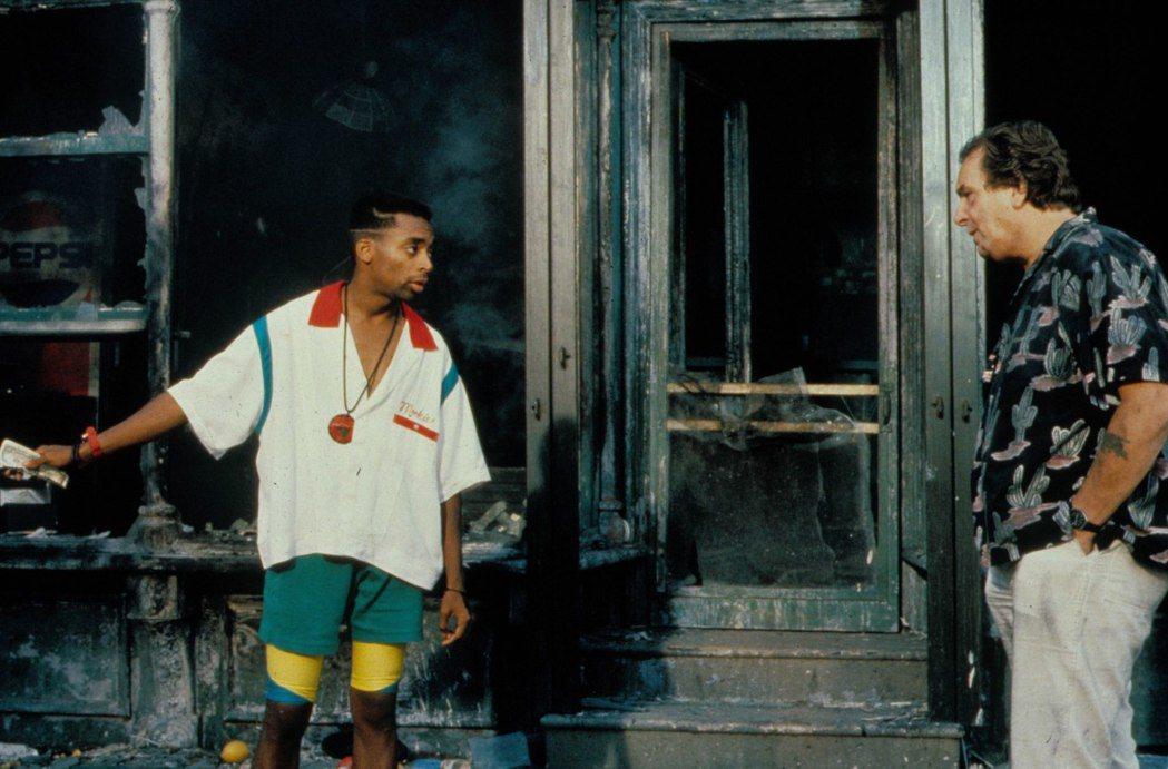 深深影響往後黑人社會抗爭運動的電影《為所應為》,是獲得奧斯卡終身成就獎的美國導演...