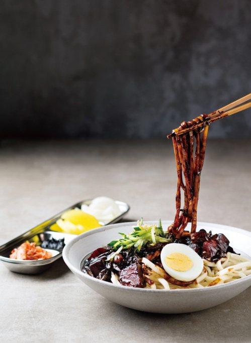 韓式炸醬麵。 圖/台灣廣廈 提供