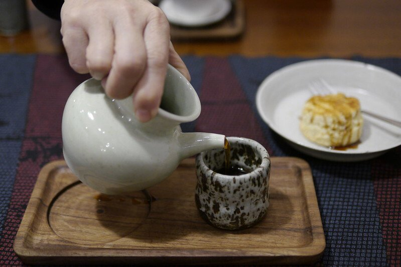 居台灣喝咖啡是越來越講究也越來越有品,而在六木的不僅是品味精心烘培沖調的咖啡,用陶杯當作咖啡杯,杯杯咖啡醇香,迷人的好喝。