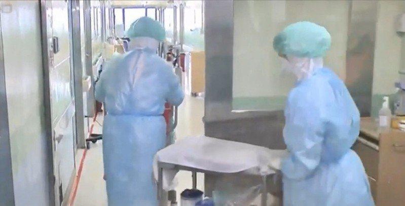 第一線醫護人員面對疫情,工作、生活也會受影響。圖/衛福部桃園醫院提供
