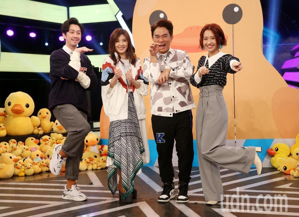 Lulu(右一)和吳宗憲、陳漢典搭檔節目多年,還是有很多觀眾問她是誰,不是她不夠