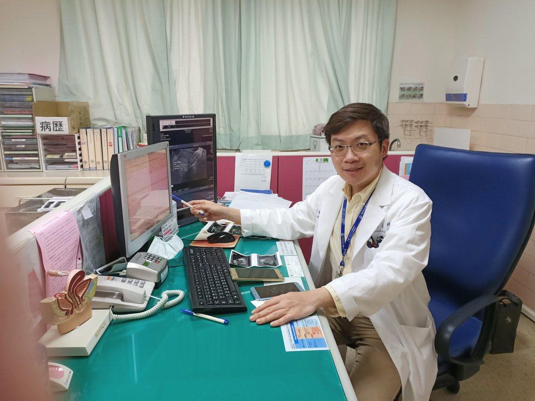 李竑叡說明,HPV疫苗女性可接種,男性也可以預防陰莖癌、肛門癌及頭頸癌。圖/台北...