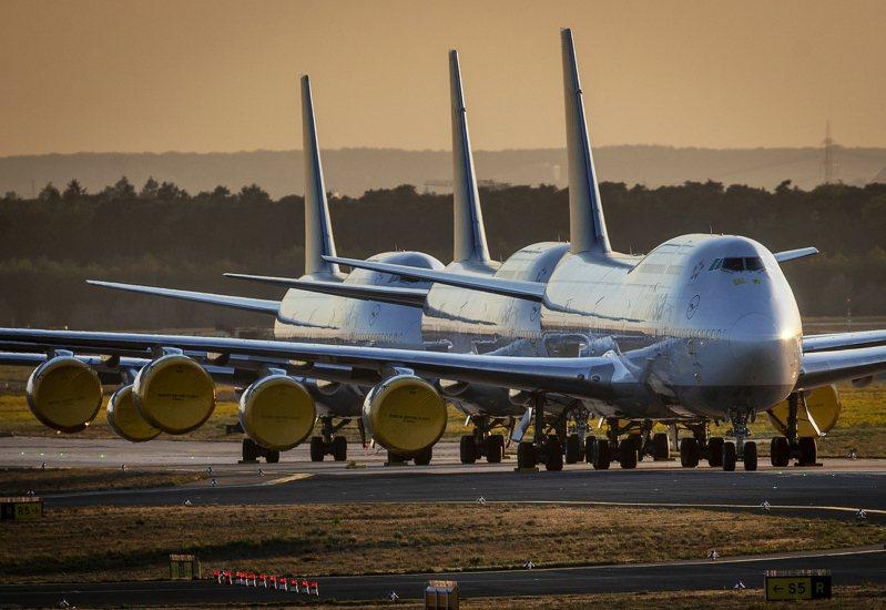 波音747客機停在德國法蘭克福機場。美聯社