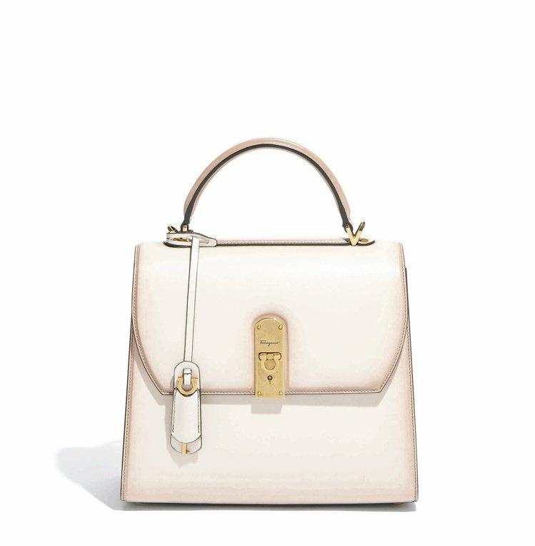 BOXYZ白色牛皮提包(大),89,900元。圖/Salvatore Ferra...
