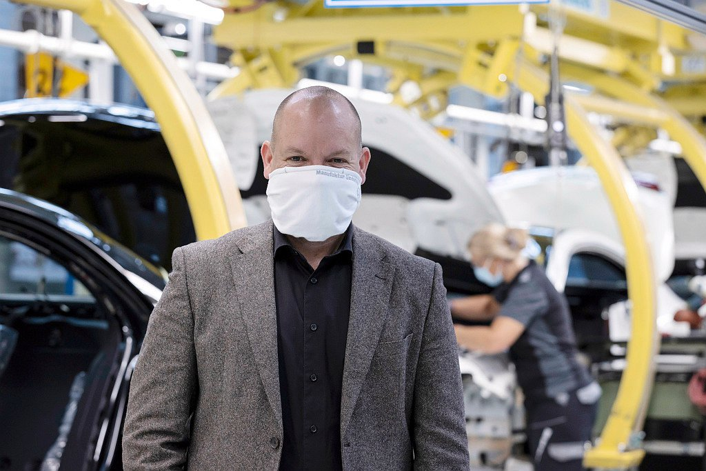 賓士生產和供應鏈管理暨董事會成員Jörg Burzer表示:很高興能和整個團隊一...