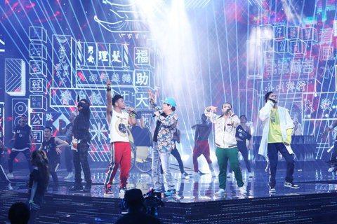 2018年金曲獎典禮上的「台灣早就有嘻哈」表演中,邀請台語歌王劉福助作為壓軸收場...