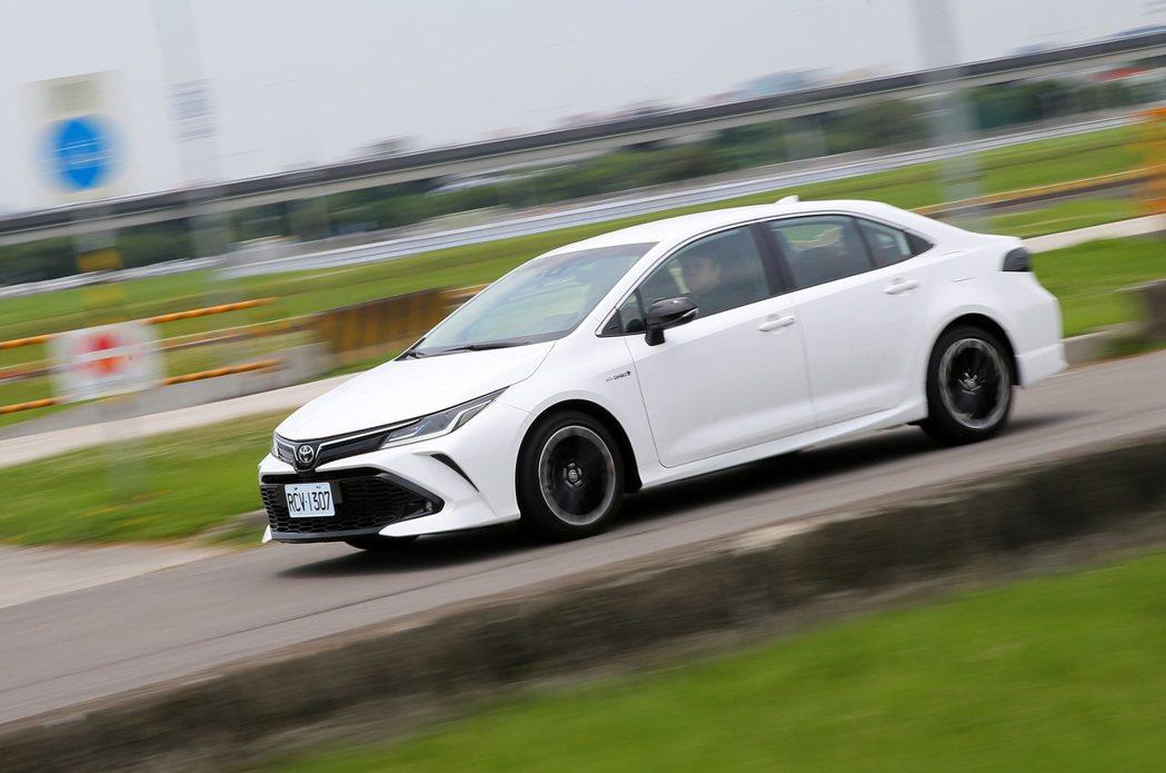 TOYOTA Corolla Altis GR Sport Hybrid開起來相...