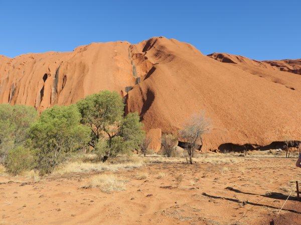 烏魯魯(Uluru) 愛爾斯岩(Ayers Rock)的Warayuki是男人的活動的營地