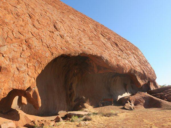 烏魯魯(Uluru) 愛爾斯岩(Ayers Rock)的廚房洞穴(Kitchen Cave)