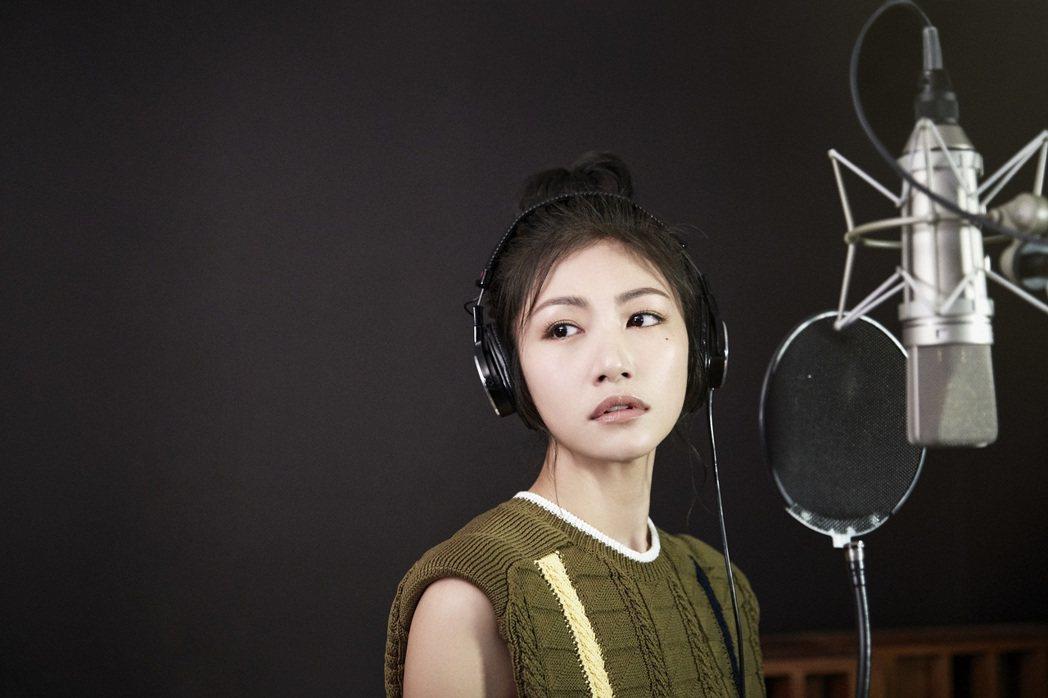 李千那推出新歌。圖/環球音樂提供