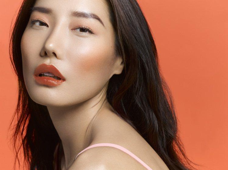 YSL即將在5月20日推出專為亞洲特調的限量「初吻茶奶昔」系列唇彩。圖/YSL提...