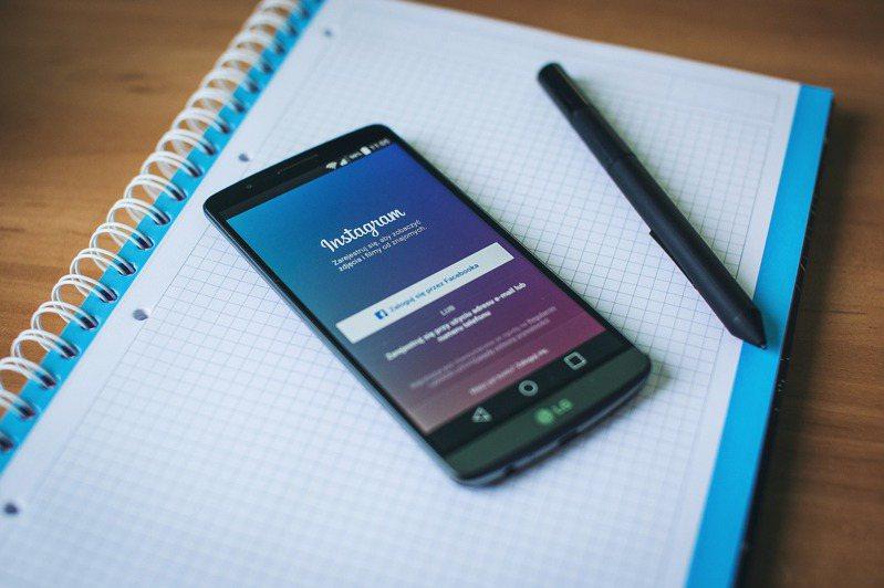 Facebook為了獨立客觀審查Facebook和Instagram內容,成立獨立監察團(Oversight Board)。 圖/pixabay