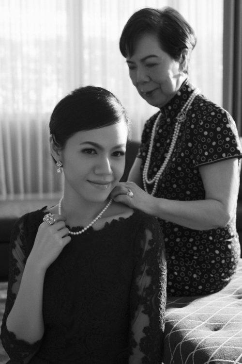 藝術出版社ASSOULINE曾出版過一本《The Pearl Necklace》...