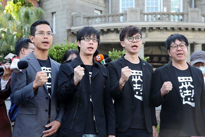 圖為光復高雄罷韓總部成員。 圖/聯合報系資料庫