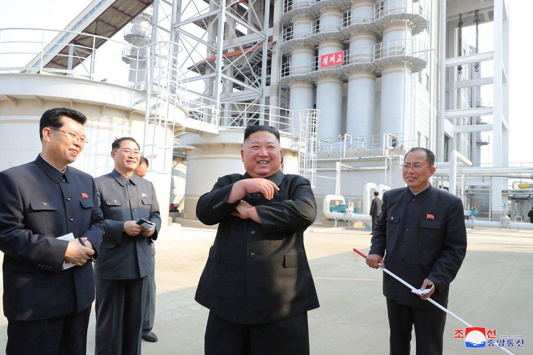 就在「99%確信說」出現隔天,北韓先是透過中央通訊社與《勞動新聞》公開金正恩前往...
