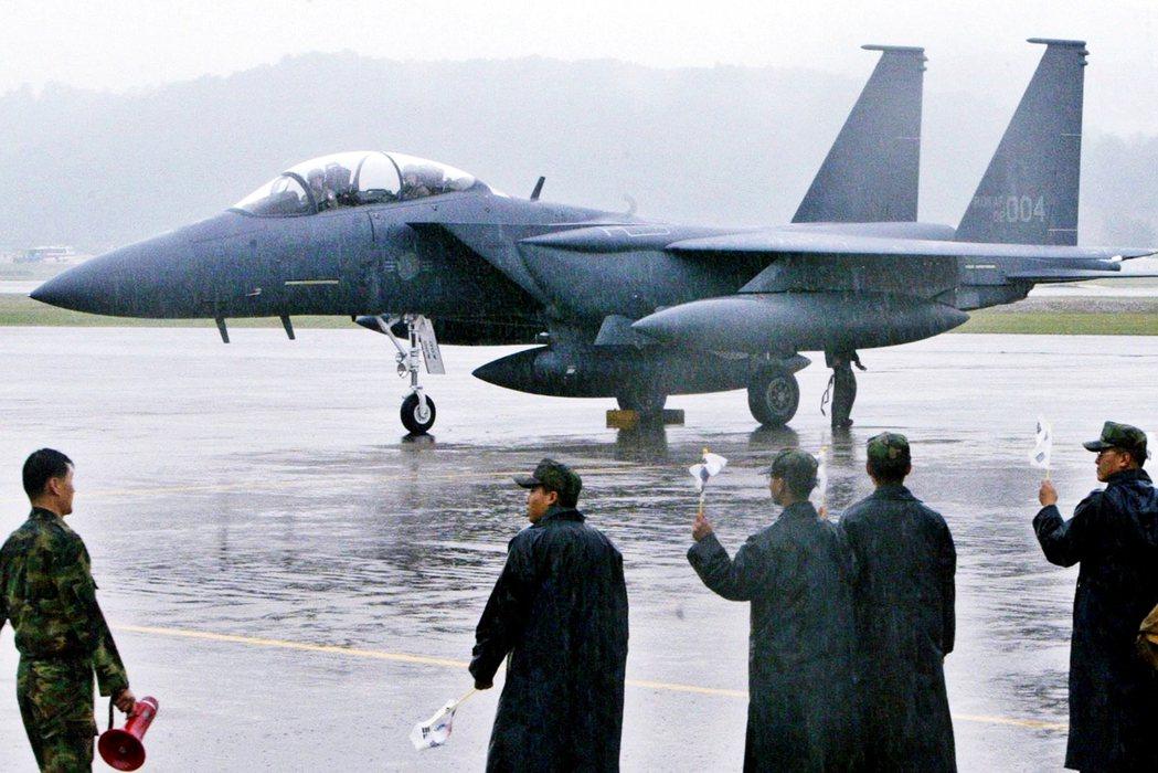 金正恩的生死,也成為南韓股價與軍工產業炒股劇烈漲跌的「捕風捉影」。圖為南韓空軍的...