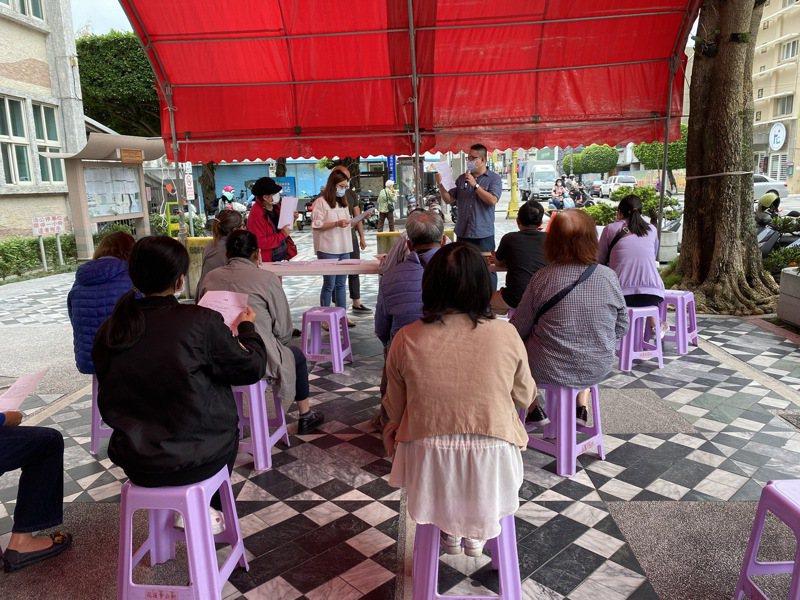 花蓮市公所今天收到公文後,恢復受理紓困申請。記者王燕華/攝影