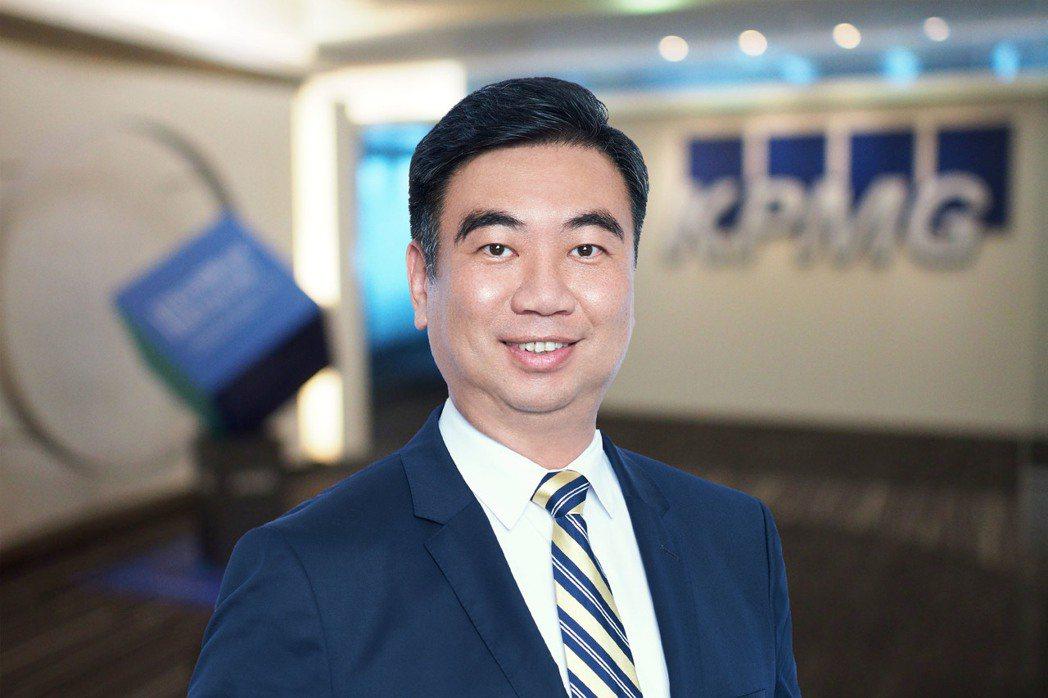 KPMG主席于紀隆表示,面對不確定性,企業應努力保持彈性,包括技術不斷創新、供應...