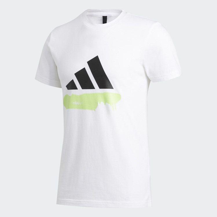 adidas白色極簡Logo T恤1,090元。圖/adidas提供