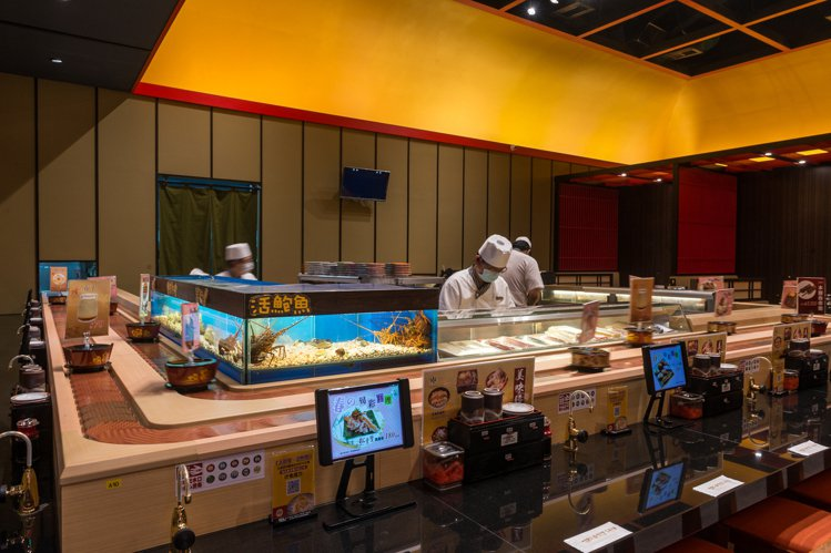 大漁まぐろ壽司的用餐區,都可見到智慧型輸送帶。圖/大漁まぐろ壽司提供