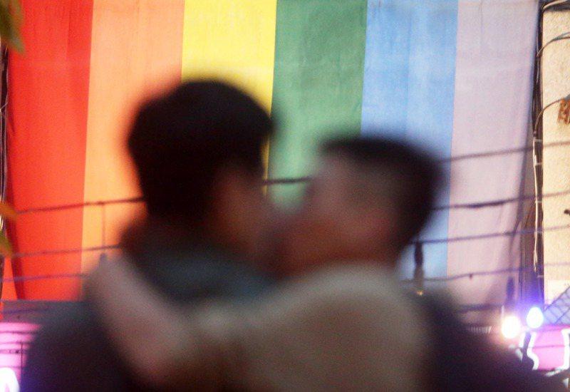 同婚專法去年517通過,立法周年將至,許多同志仍受限專法規定同志只能收養另一方「親生」子女,加上人工生殖法限制,想在婚後當爸媽十分困難。圖/聯合報系資料照片