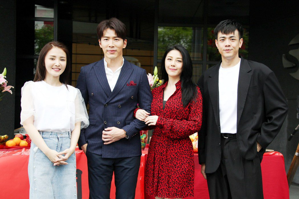 陳子玄(左起)黃少祺、韓瑜、李家慶演出三立新台八「天之驕女」。圖/三立提供