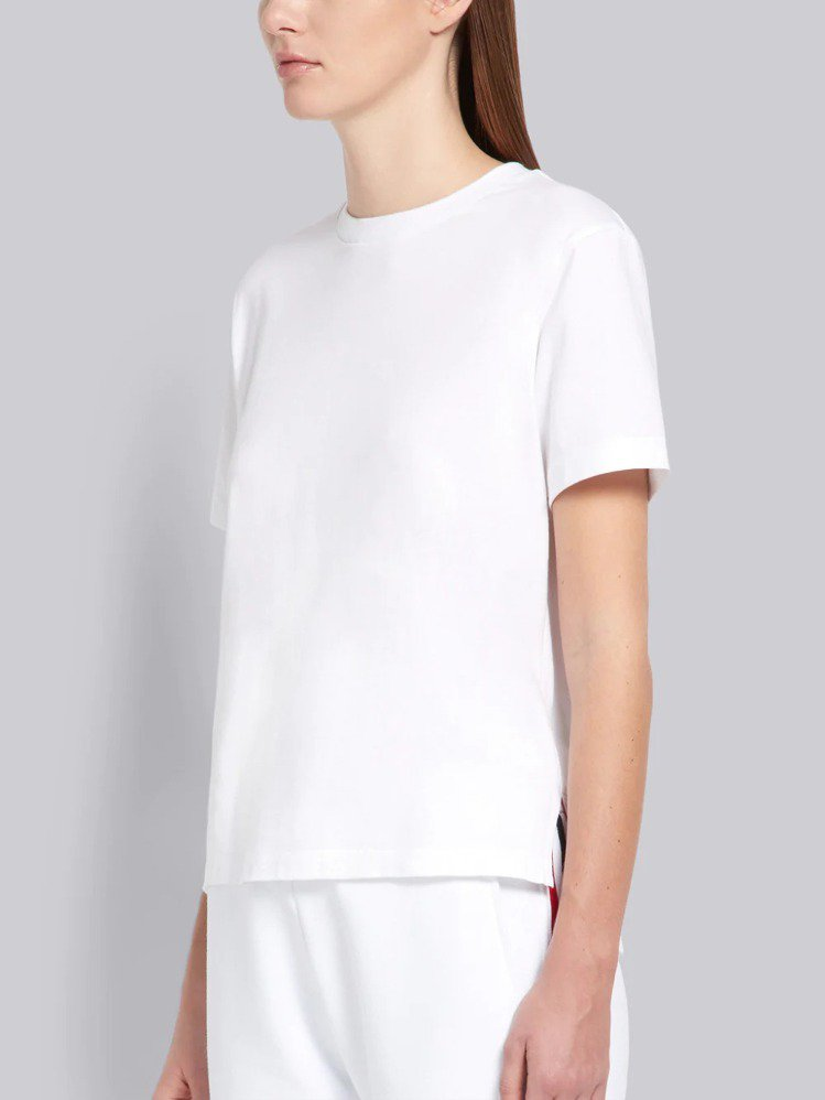 THOM BROWNE經典白T恤(女),10,980元。圖/ART HAUS提供