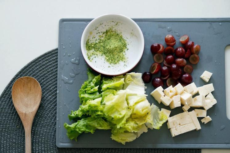 女性生理期前後吃豆腐,可以瘦身。圖/摘自Pelexs