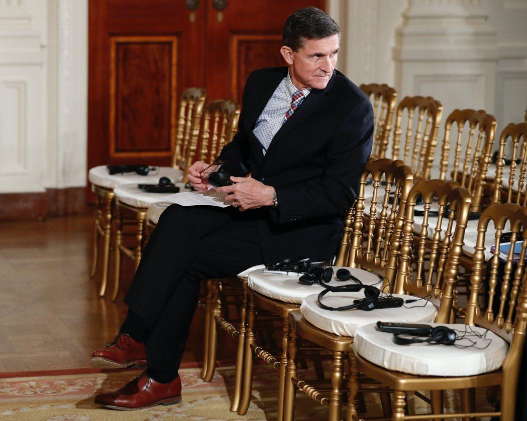 因對FBI調查說謊而遭「偽證罪」指控的前美國國家安全顧問——川普總統在2016年...