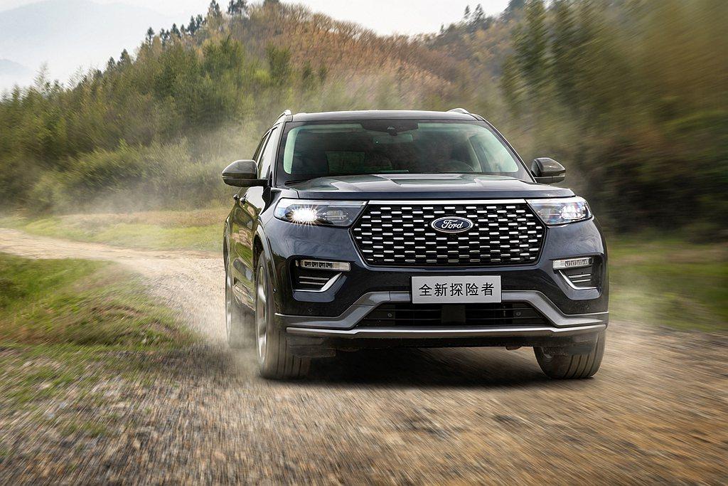 全新第六代Ford Explorer不僅採在地生產模式,為了更適應中國消費者的審...