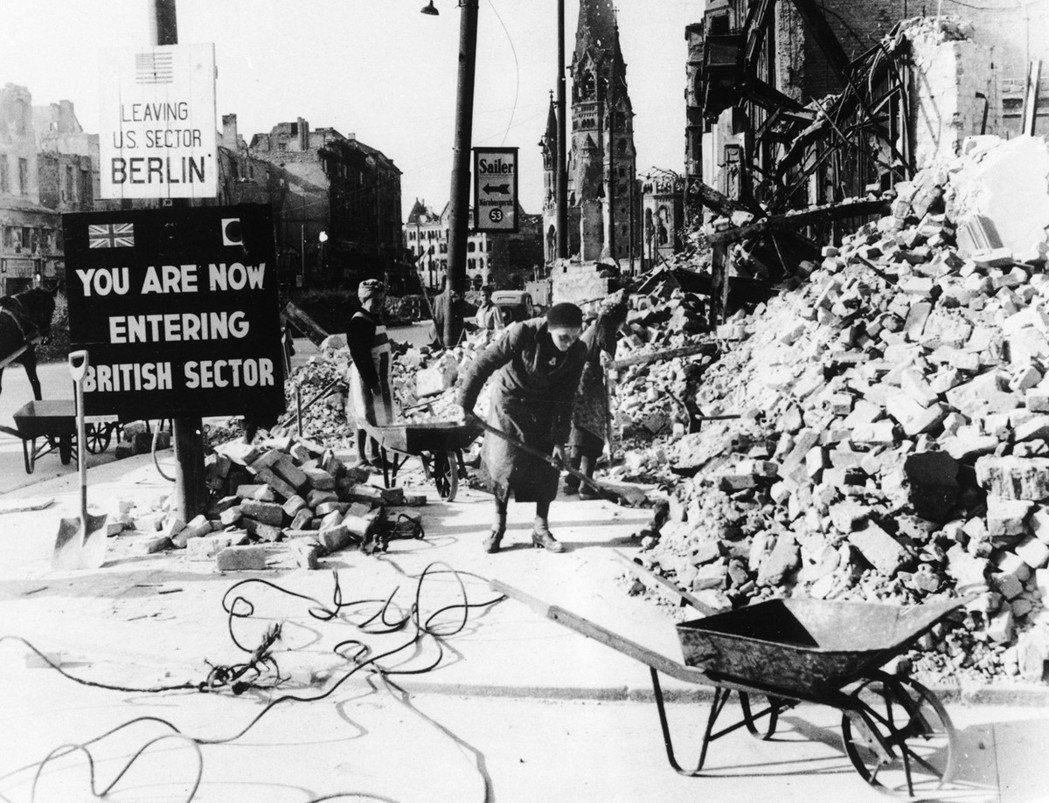 「5月8日對我們德國人來說,不是個值得慶祝的日子...有人返鄉回家、有人背井離鄉...