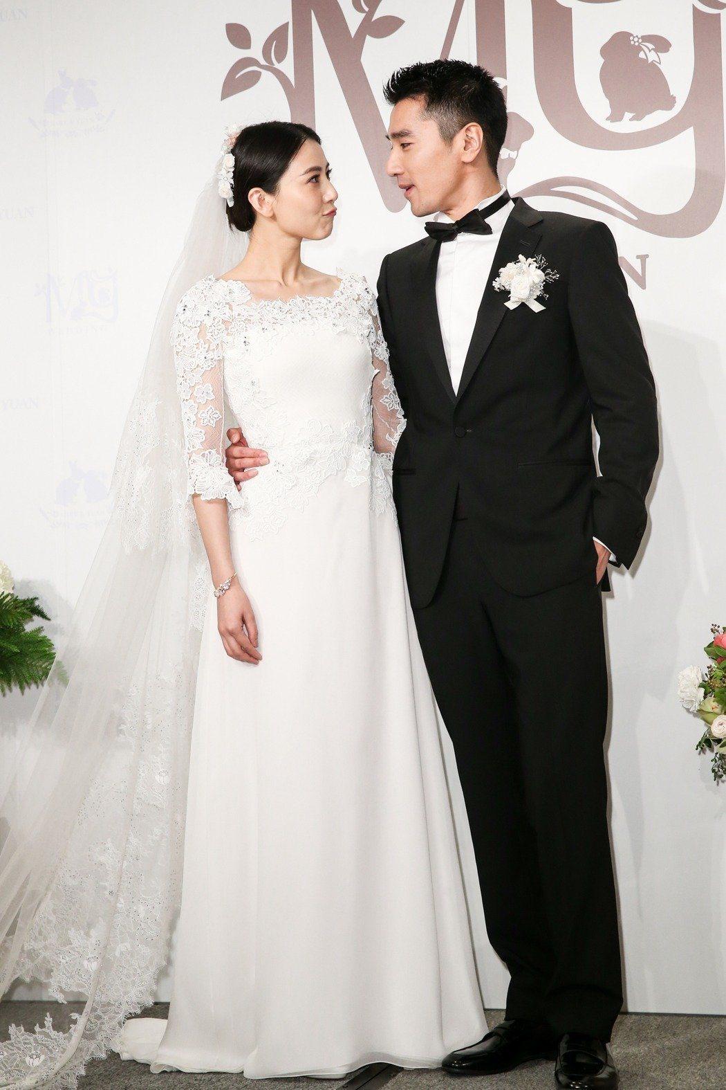 趙又廷(右)與高圓圓(左)婚後幸福。圖/報系資料照片