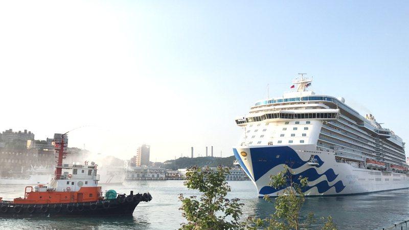 公主郵輪昨天宣布暫停營運期限再延長,以台灣基隆出發的盛世公主號,暫停營運至7月底,圖為盛世公主以基隆港為母港首航日情形。圖/聯合報系資料照片