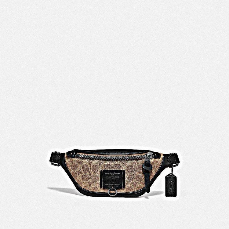 Signature腰包,12,800元。圖/COACH提供