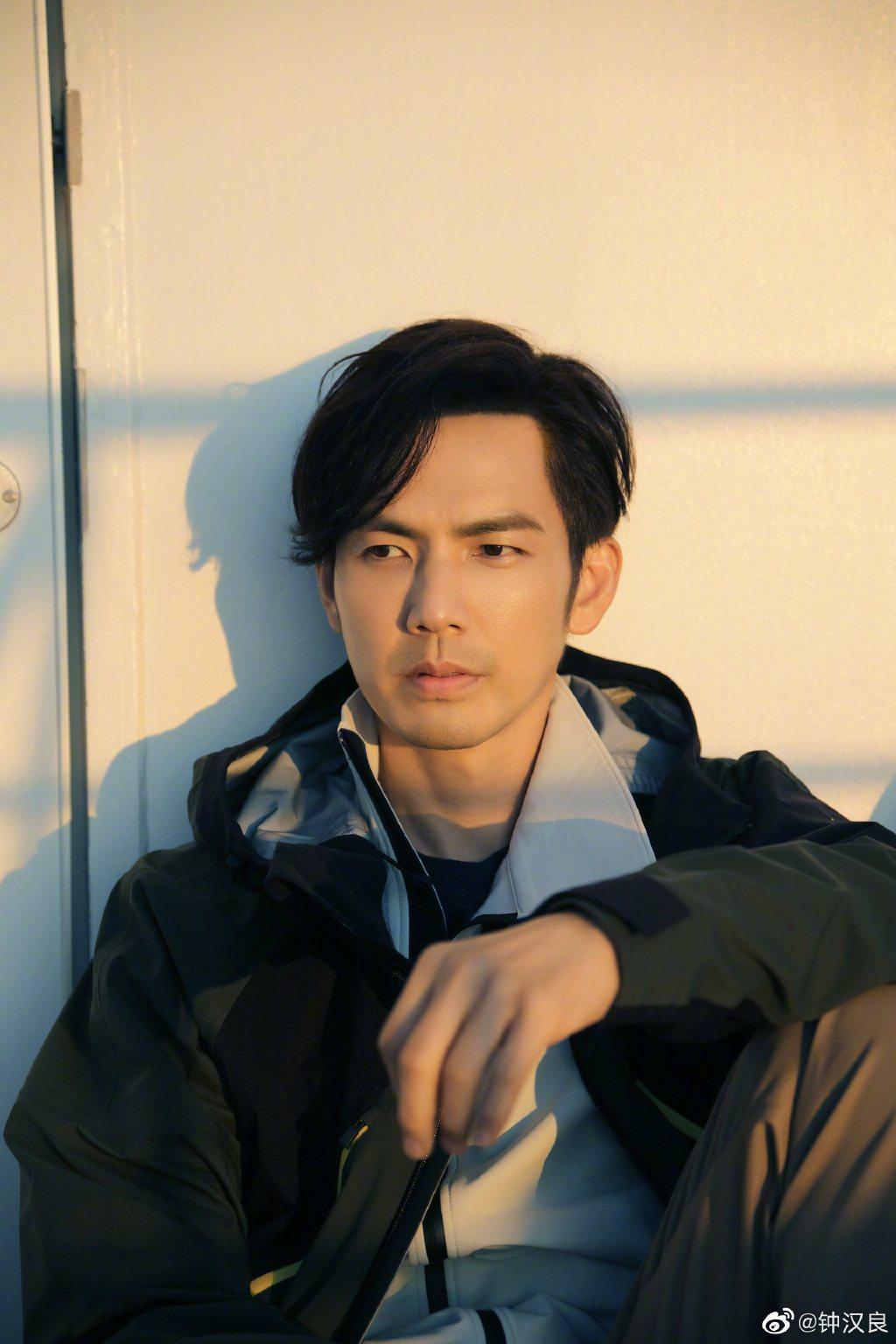 舞者出身的鍾漢良雖近年皆於戲劇演出,網盛傳他將接下「這!就是街舞」第4位導師位置