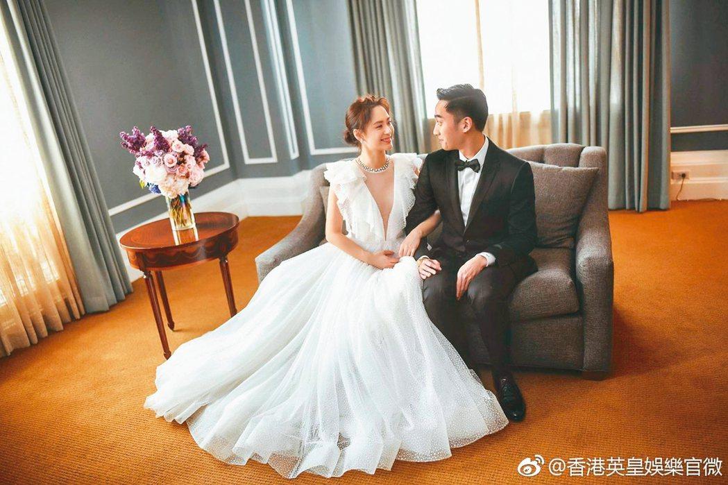 阿嬌(左)閃嫁賴弘國,也閃離。圖/擷自微博