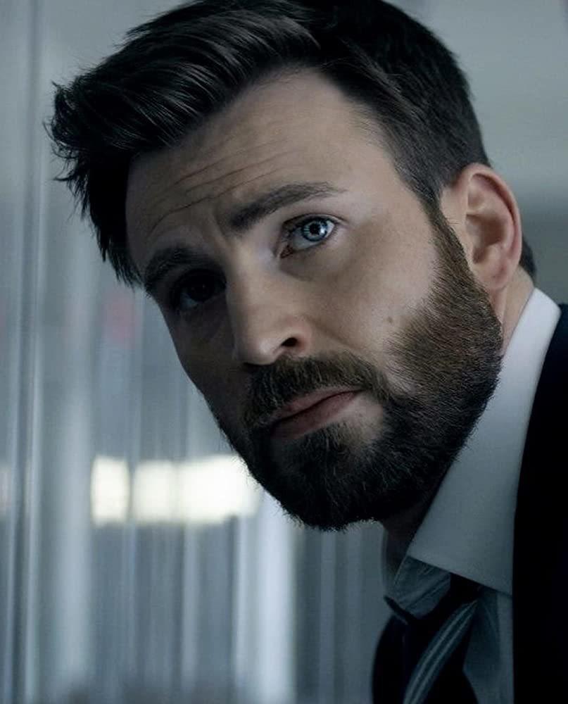 克里斯伊凡的演技突破,是「捍衛雅各」主要賣點。圖/摘自imdb